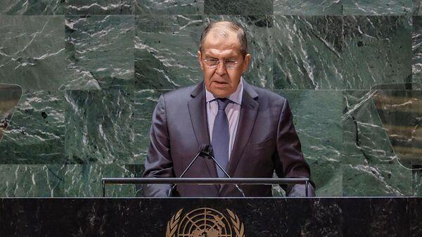 Министр иностранных дел РФ Сергей Лавров во время выступления в ООН - Sputnik Таджикистан