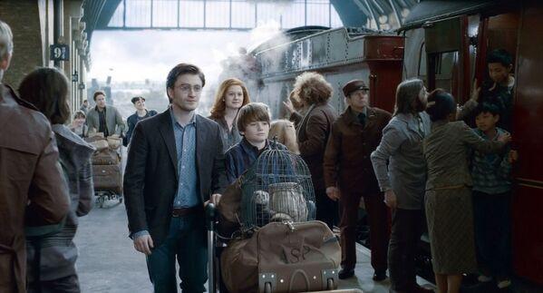 Кадр из фильма Гарри Поттер и Дары Смерти  - Sputnik Таджикистан