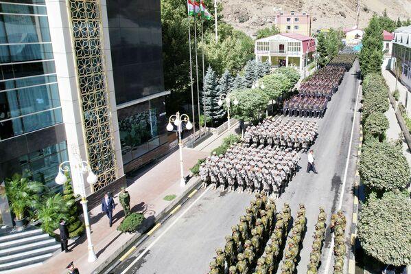 Военные проходили маршем прямо по улицам Дарваза. - Sputnik Таджикистан