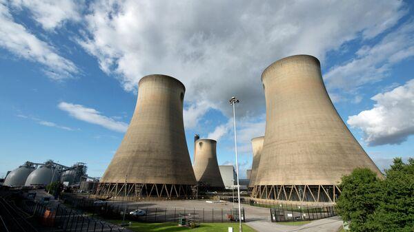 Угольная электростанция Drax в северной Англии - Sputnik Тоҷикистон
