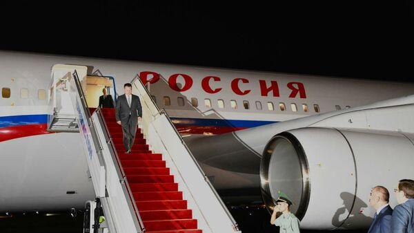 В Душанбе рабочим визитом прилетел Генеральный прокурор Российской Федерации Игорь Краснов - Sputnik Тоҷикистон