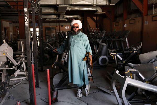 Перед бегством солдаты США испортили даже спортивные тренажеры. - Sputnik Таджикистан