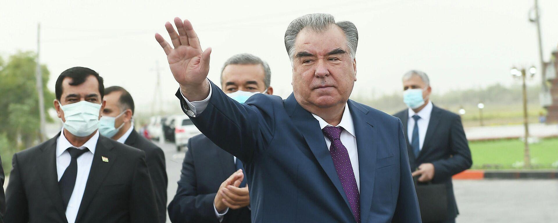 Президент Республики Таджикистан Эмомали Рахмон - Sputnik Тоҷикистон, 1920, 04.10.2021