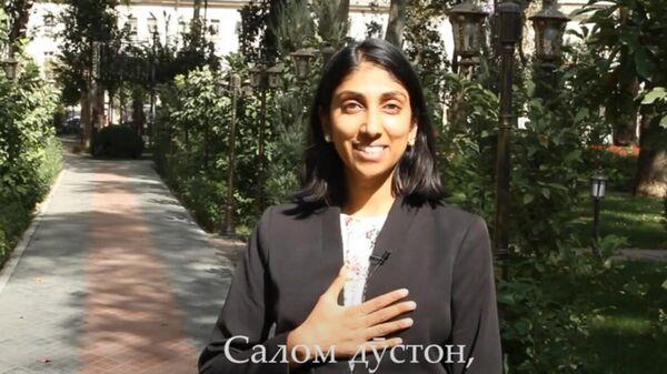 Қироати шеъри амрикоиҳо ба забони тоиҷкӣ - Sputnik Тоҷикистон