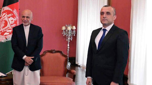 Амрулла Салех (справа) и Ашраф Гани (слева)  - Sputnik Тоҷикистон