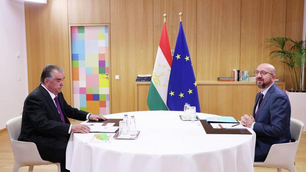 Встреча Эмомали Рахмона с Президентом Европейского Совета Шарлем Мишелем - Sputnik Тоҷикистон