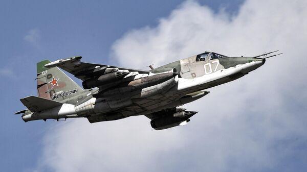 Штурмовик Су-25, архивное фото - Sputnik Таджикистан
