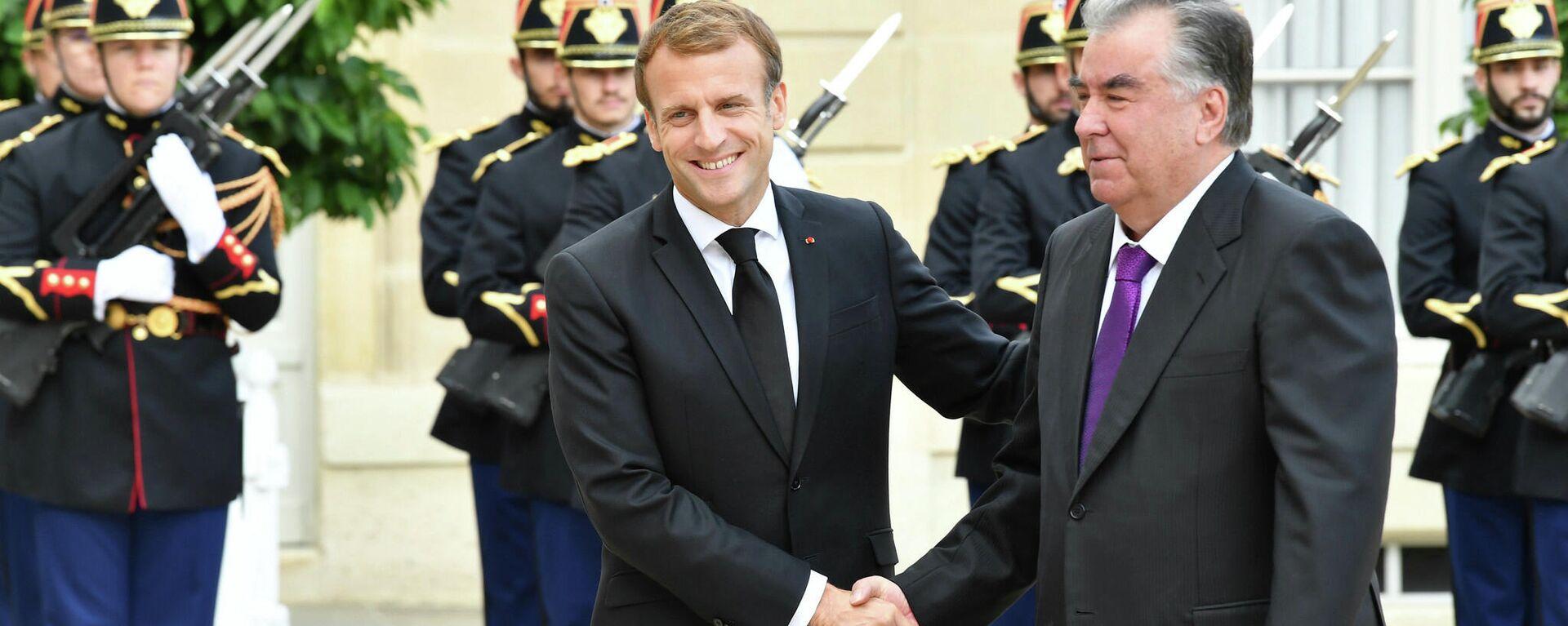 Эмомали Рахмон прибыл с официальным визитом во Францию - Sputnik Таджикистан, 1920, 14.10.2021