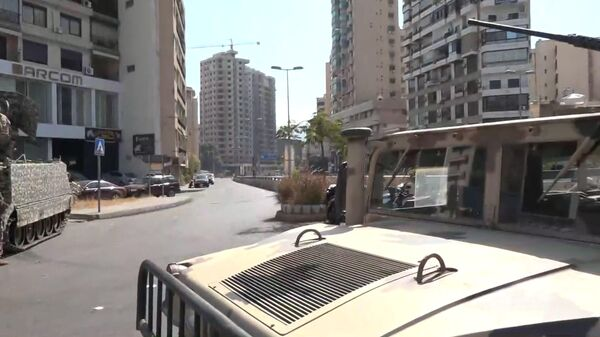 Что происходит в Бейруте - первые кадры с места перестрелки  - Sputnik Таджикистан