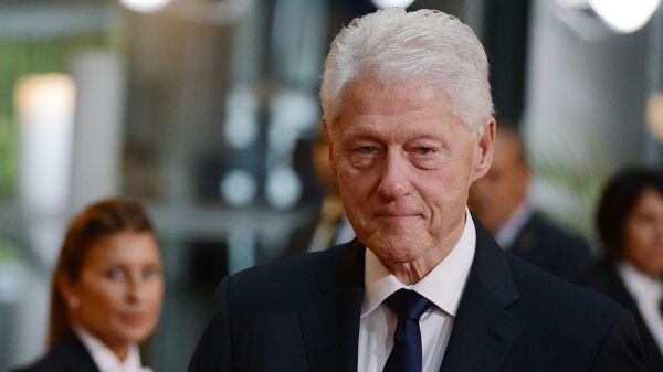 Экс-президент США Билл Клинтон  - Sputnik Тоҷикистон