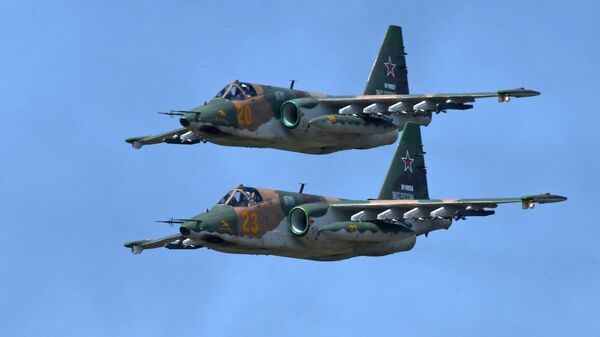 Штурмовики Су-25 - Sputnik Тоҷикистон