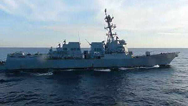Корабль ТОФ Адмирал Трибуц не допустил нарушения государственной границы России эсминцем ВМС США - Sputnik Тоҷикистон