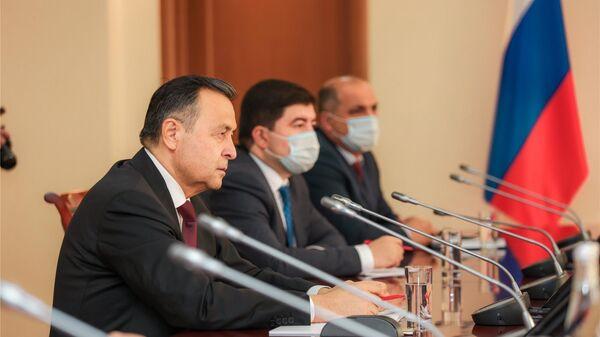 Посол Таджикистана в России Давлатшох Гулмахмадзода посетил Чувашию - Sputnik Таджикистан