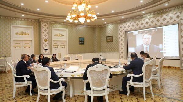 Пстреча Председателя Национального банка Таджикистана Хокима Холикзода с новой Делегацией МВФ. в Таджикистан Селима Элекдага - Sputnik Тоҷикистон