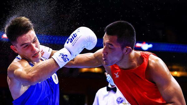 Таджикский боксер на ринге Шаббос Негматуллоев - Sputnik Таджикистан