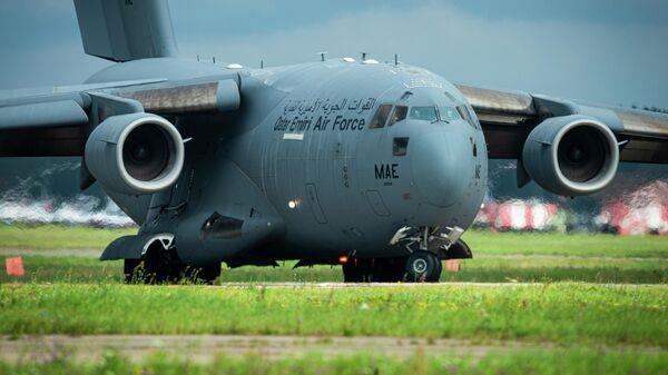 Военно-транспортный самолет Boeing C-17 - Sputnik Таджикистан