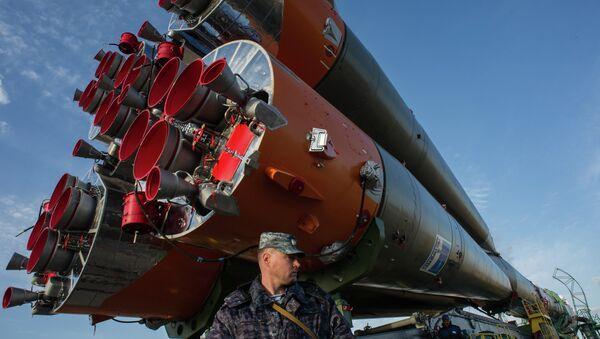 Вывоз космического корабля Союз ТМА-14М на старт, архивное фото - Sputnik Таджикистан