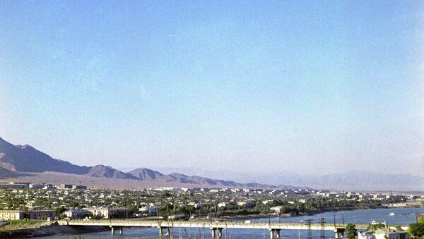 Мост через реку Сырдарья в Худжанде. Архивное фото - Sputnik Таджикистан