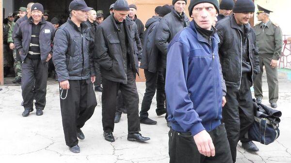 Амнистированные заключенные Вахдатской колонии - Sputnik Тоҷикистон