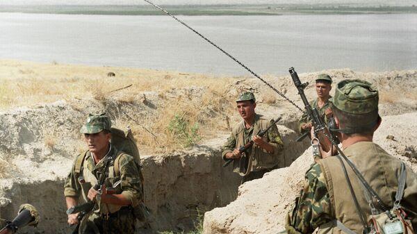 Таджикские пограничники. Фото из архива - Sputnik Таджикистан