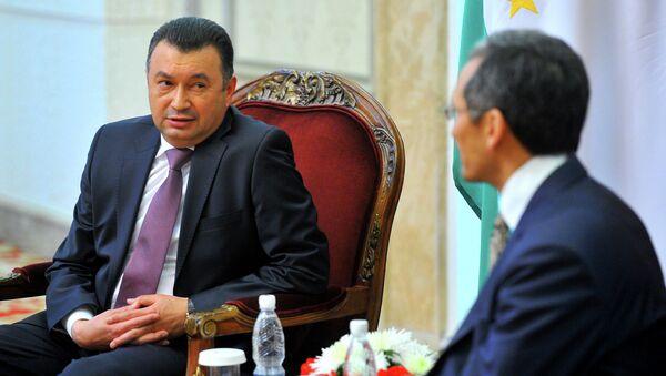 Встреча премьер-министров Кыргызстана Джоомарта Оторбаева и Таджикистана Кохира Расулзода состоялась 14 ноября 2014 в рамках официального визита таджикского премьера в Кыргызстан - Sputnik Тоҷикистон