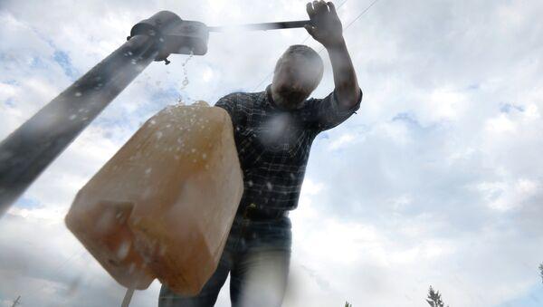 Сезонное отключение воды, архивное фото - Sputnik Таджикистан