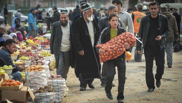 Зеленый рынок в Душанбе. Архивное фото - Sputnik Таджикистан