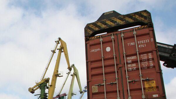 Работа контейнерного терминала Калининградского морского торгового порта - Sputnik Тоҷикистон