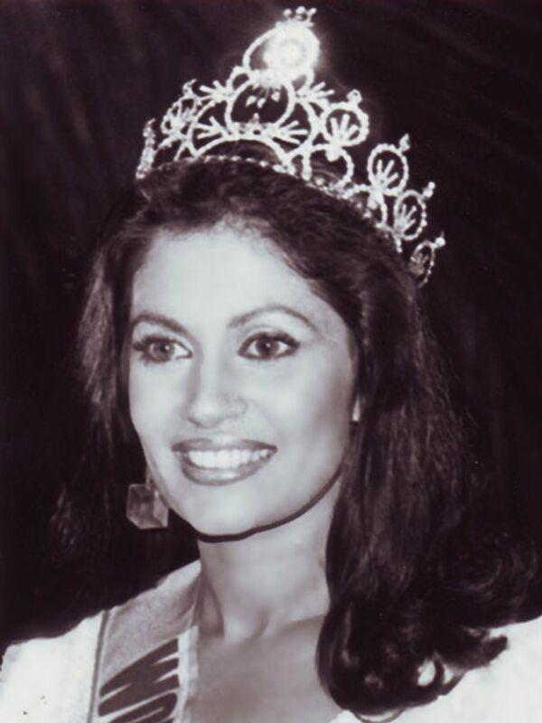 Миссис мира - 1985. Рози Сенанаяки (Шри-Ланка). Фото с официального сайта Mrs. World - Sputnik Таджикистан