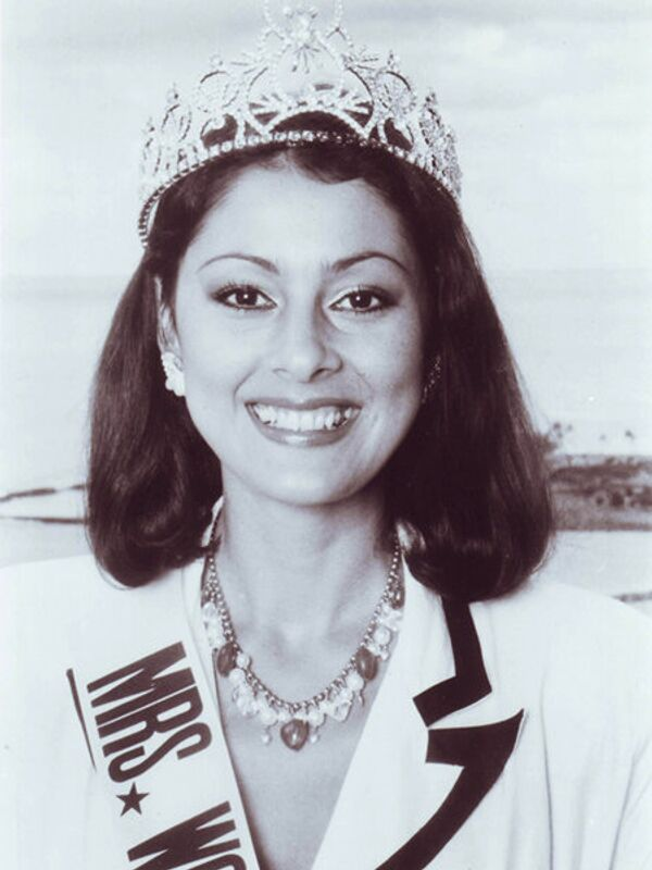 Миссис мира - 1986. Астрид Де Навия (Колумбия). Фото с официального сайта Mrs. World - Sputnik Таджикистан
