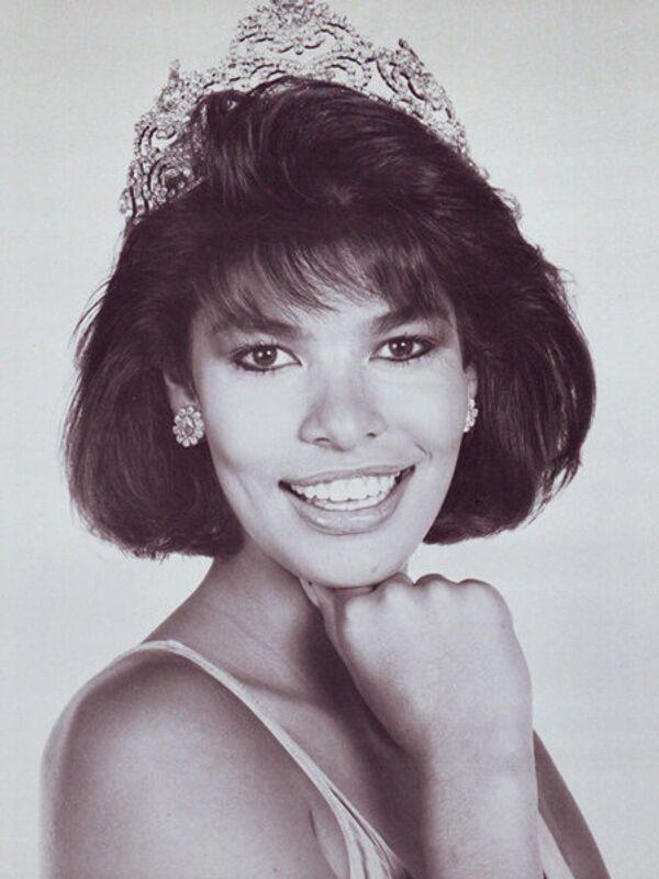 Миссис мира - 1987. Барбара Рили (Новая Зеландия). Фото с официального сайта Mrs. World - Sputnik Таджикистан