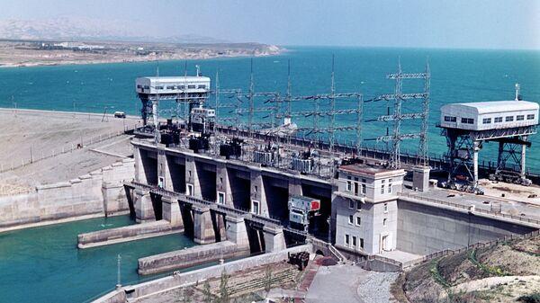 Кайраккумская ГЭС Дружба народов - Sputnik Таджикистан