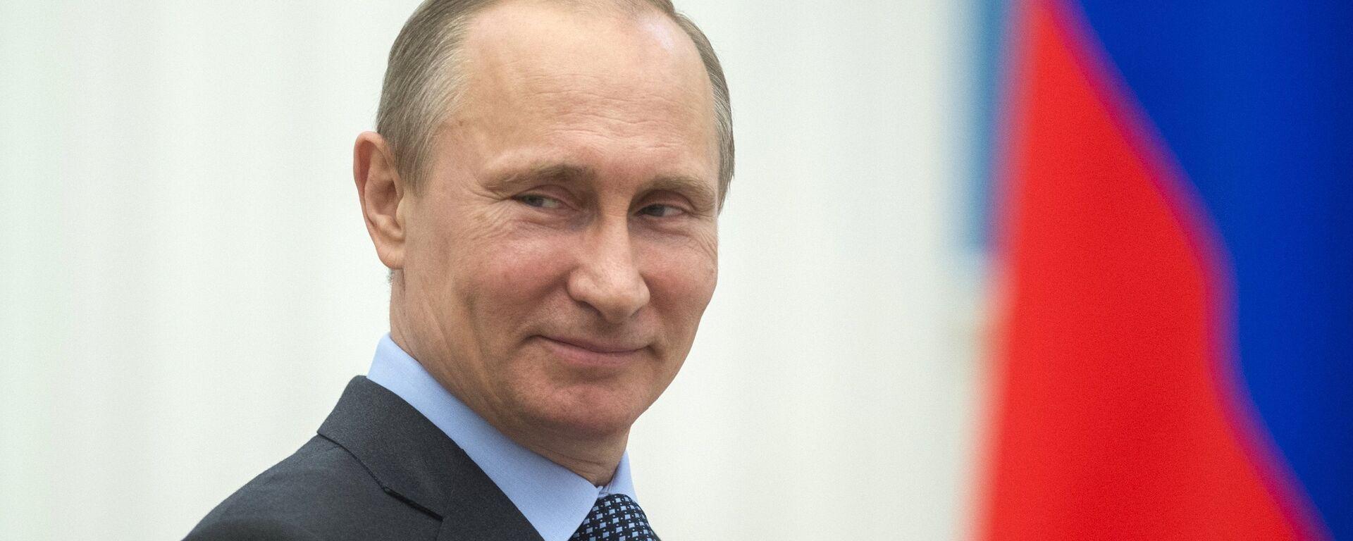 В.Путин вручил в Кремле премии деятелям культуры - Sputnik Таджикистан, 1920, 02.10.2021