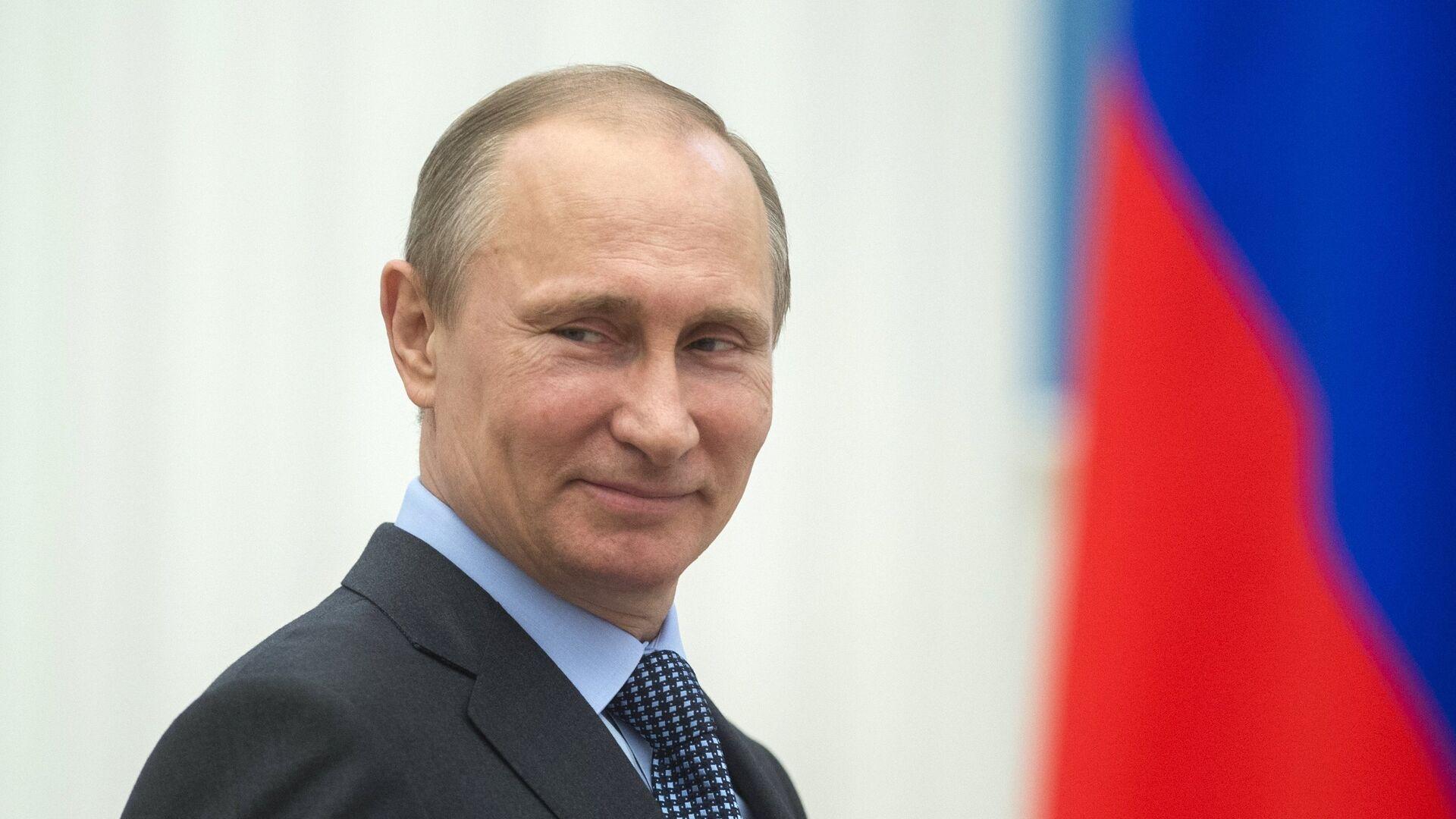 В.Путин вручил в Кремле премии деятелям культуры - Sputnik Таджикистан, 1920, 11.10.2021