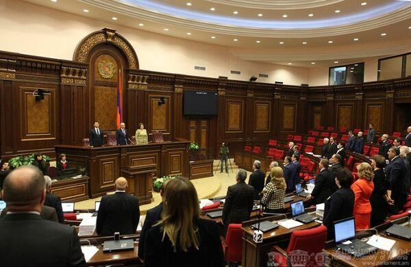 Парламент Армении ратифицировал соглашение о присоединении Армении к Евразийскому экономическому союзу (ЕАЭС) с 1 января 2015 года - Sputnik Таджикистан