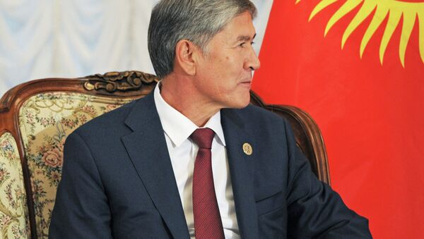 Президент Кыргызстана Алмазбек Атамбаев. Архивное фото - Sputnik Тоҷикистон