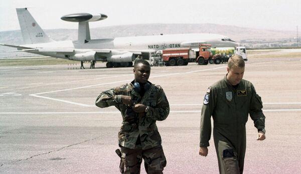 Военные инструкторы НАТО. Архивное фото - Sputnik Таджикистан