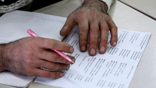 Экзамен по языку. Архивное фото - Sputnik Таджикистан
