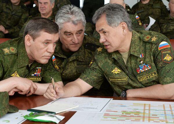 Учения войск Центрального военного округа на полигоне Чебаркуль. Архивное фото - Sputnik Таджикистан