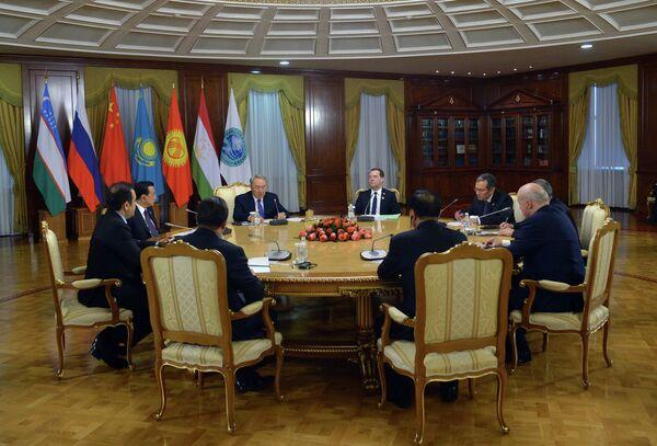 Встреча глав правительств государств-членов ШОС в Астане - Sputnik Таджикистан