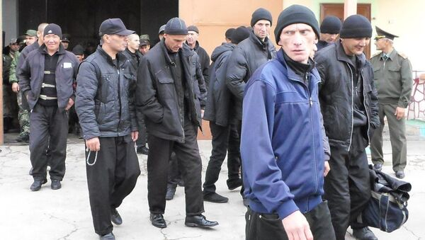 Амнистированные заключенные Вахдатской колонии - Sputnik Таджикистан