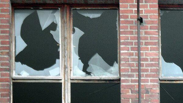 Разбитое окно - Sputnik Таджикистан