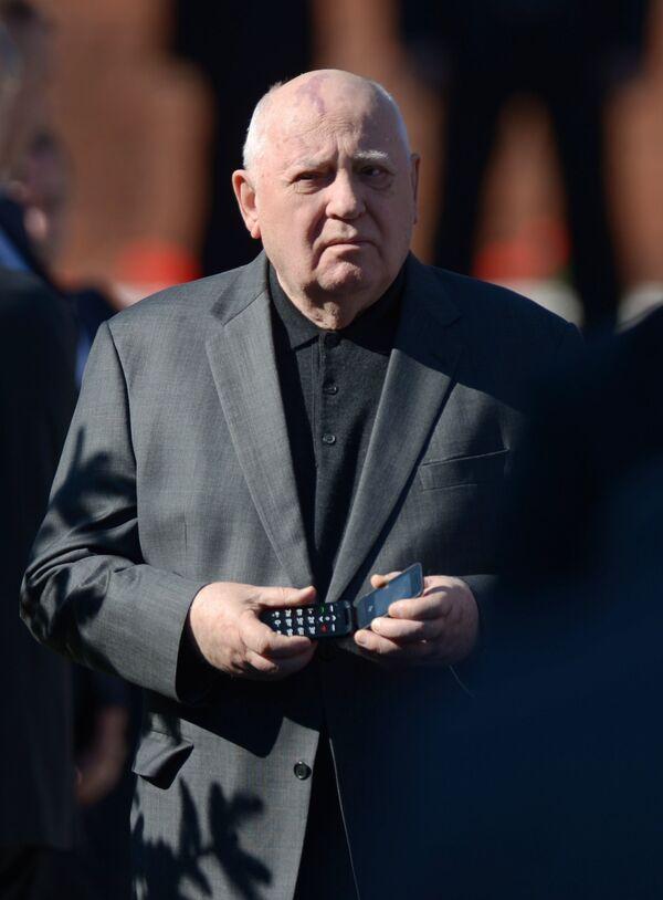 Михаил Горбачев. Архивное фото - Sputnik Таджикистан