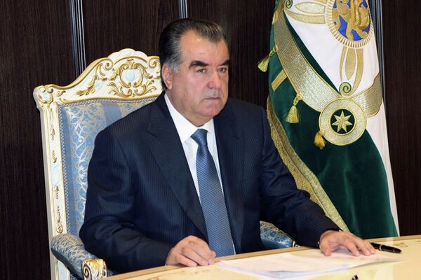 Президент Таджикистана сменил руководителей прокуратур городов и районов. Фото: Пресс-служба президента Таджикистана - Sputnik Таджикистан