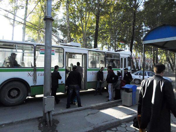 Общественный транспорт в Душанбе. Архивное фото - Sputnik Таджикистан