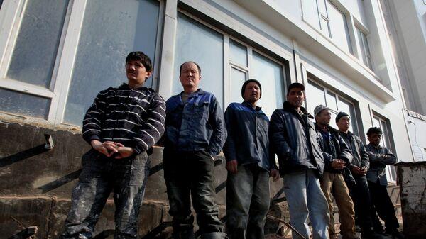 Трудовые мигранты, архивное фото - Sputnik Таджикистан