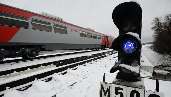 Пассажирский поезд. Архивное фото - Sputnik Таджикистан