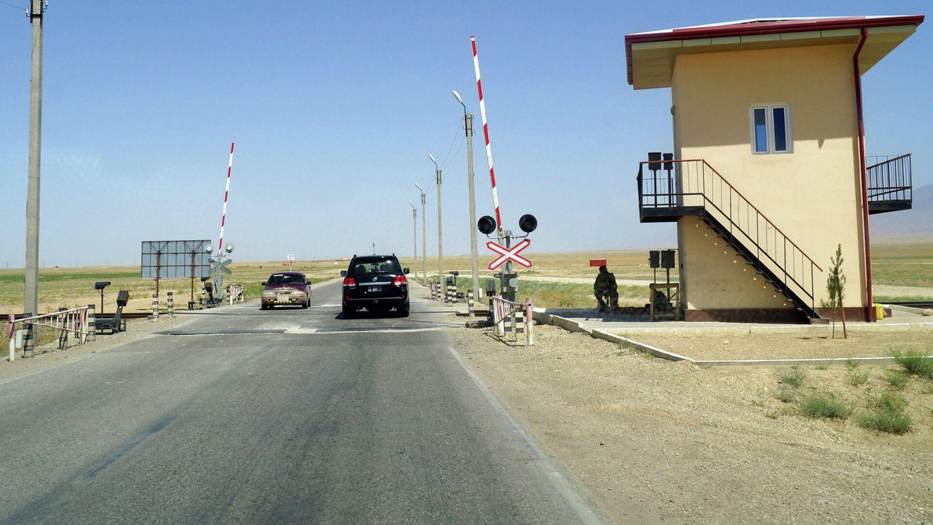 КПП на границе. Архивное фото - Sputnik Таджикистан, 1920, 30.07.2021