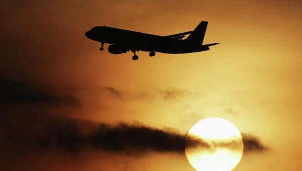Самолет Airbus-320. Архивное фото - Sputnik Таджикистан
