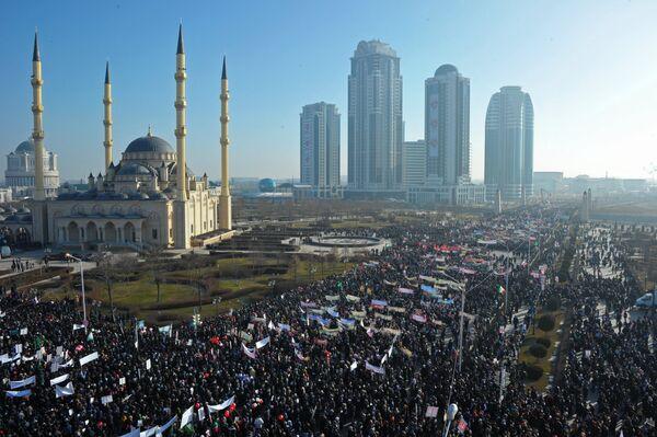 Акция протеста против публикаций, оскорбляющих пророка Мухаммеда - Sputnik Таджикистан